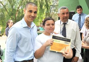 GSolenidade de formatura teve presença do prefeito;15 jovens ganharam certificado de auxiliar de informática